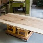 一枚板の特大テーブル天板を納品
