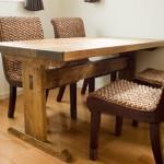 栓の木のダイニングテーブルの制作・納品