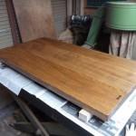 栓の木のダイニングテーブルの制作・5